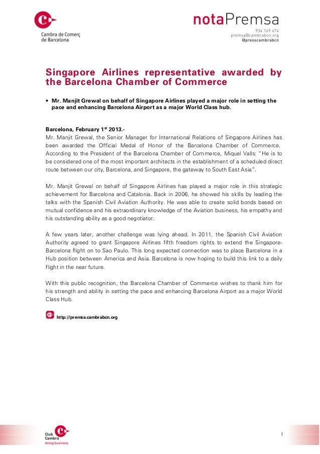 Singapore Airlines representative awarded by the Barcelona Chamber of Commerce