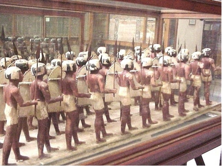 Ancient Egyptian panorama: The Egyptian army 5000 years ago