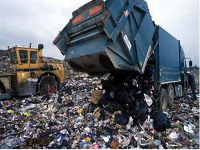 Os políticos roubam descaradamente não investem na sociedade.  Trabalhar no lixão é muito mais digno do que assaltar, mata...