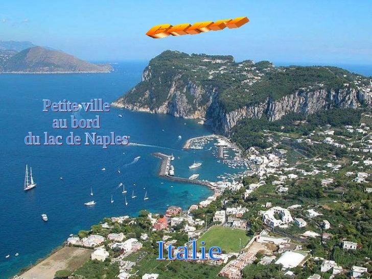 Petite ville au bord du lac de Naples Italie Capri