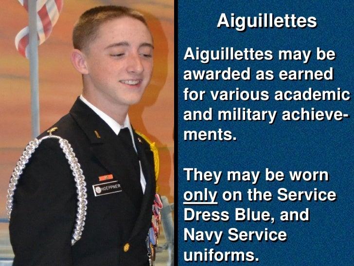how to wear an aiguillette
