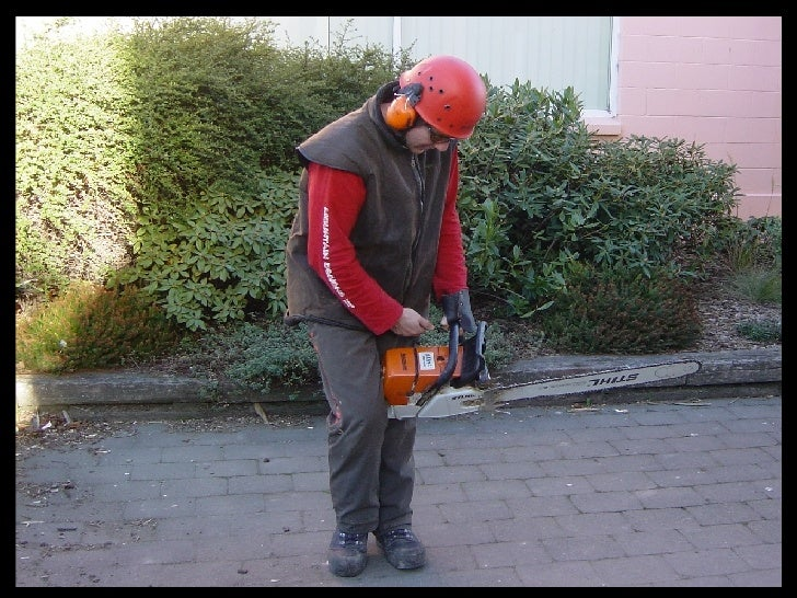 Chainsaw  Starting  Methods