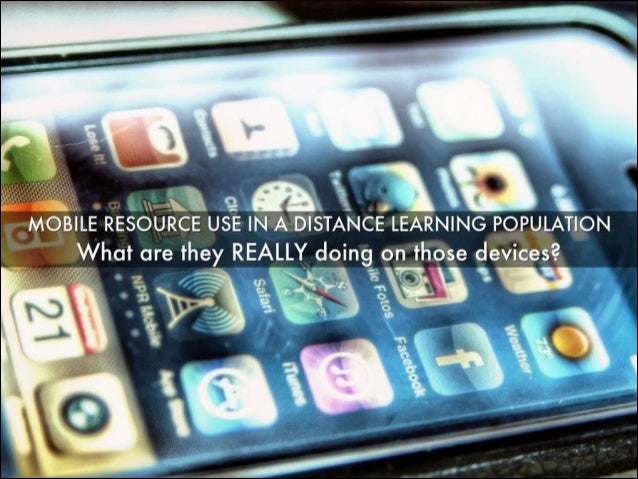 Mobile Resources Use in a Distance Learning Population