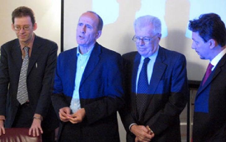 Nella foto, da sinistra: Massimo Giordani, Fabrizio Bellavista, prof. Franco Giacomazzi, Marco Camisani Calzolari