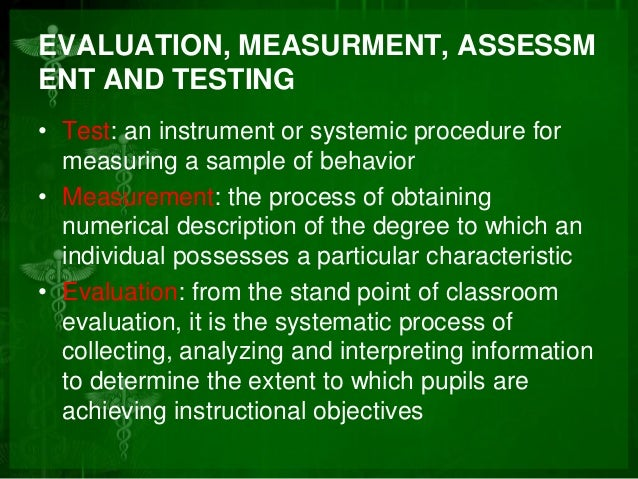 Difference between analyzing and evaluating?