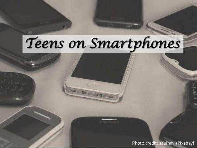 Teens on SmartphonesPhoto credit: saulhm (Pixabay)
