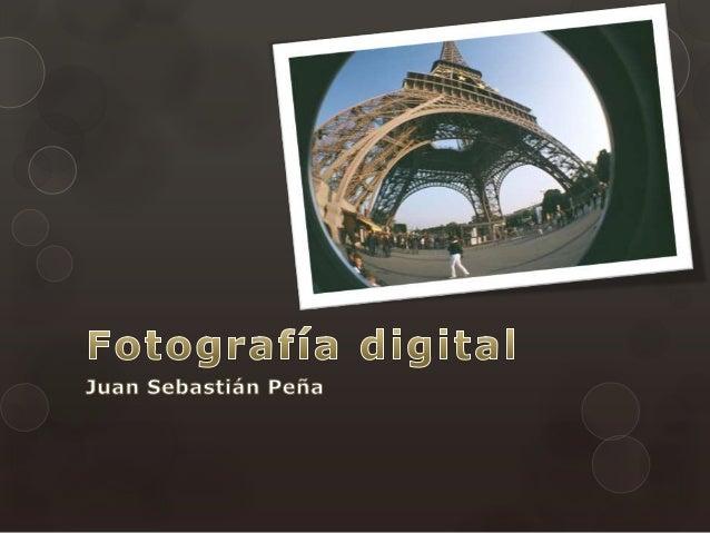  Las fotografías digitales son imágenes del mundo real digitalizadas. Esto consiste en tomar una visión del mundo y trans...