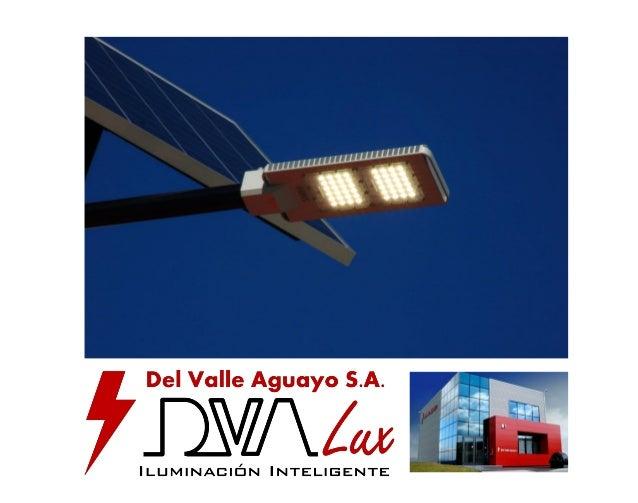 Una farola solar especialmente diseñada para iluminación de viales, aparcamientos y carreteras, donde las necesidades lumí...