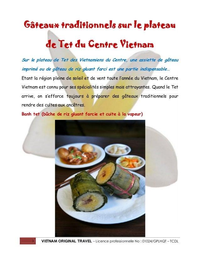 Gâteaux traditionnels sur le plateau de Tet du Centre Vietnam Sur le plateau de Tet des Vietnamiens du Centre, une assiett...