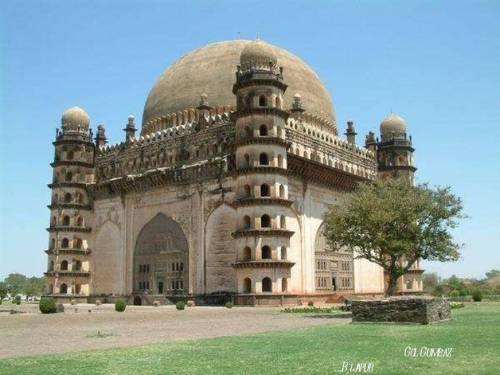 Karnataka architecture