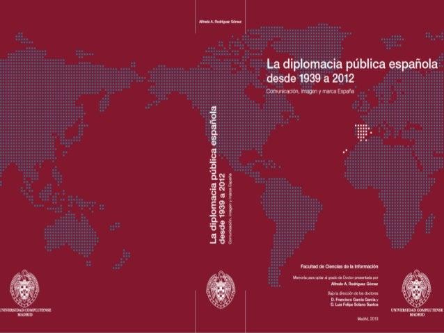 Presentación de la defensa de la tesis doctoral de Alfredo Rodriguez sobre diplomacia pública