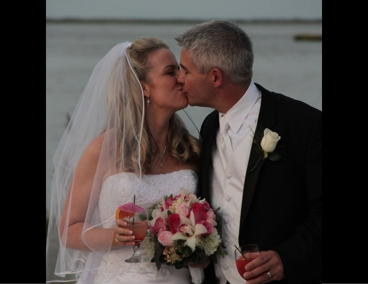Wedding Pictures at the Mallard Island Yacht Club