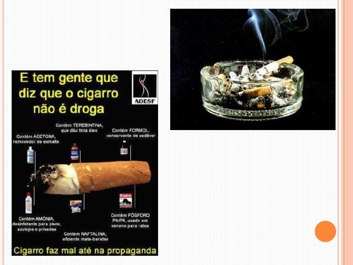 Reorganização fumante deixada de um organismo
