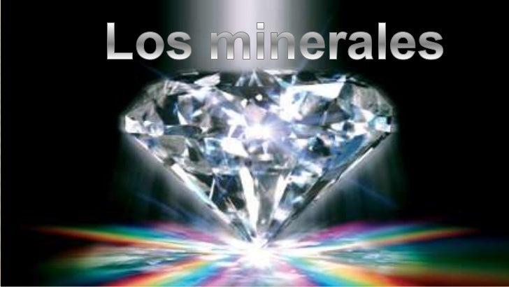 LOS MATERIALES DE LA GEOSFERA   Las piedras que podemos coger del suelo    tienen un aspecto sólido y resistente, y    al...