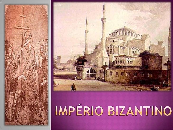    O imperador romano Constantino transfere a capital para Bizâncio em    330, alterando o nome da cidade para Constantin...