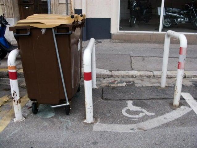 Marseille l'insolite Y'a qu'ici qu'on voit ça ! Tias raison ! Un commissariat dans un hôtel, un méga nettoyage de fesses, ...