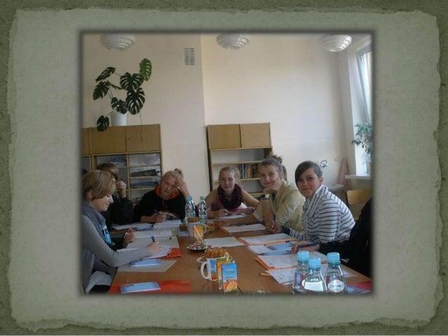  Celem naszego projektu jest odtworzenie dziejów szkoły w Sycewicach. W tym celu spotykamy się z mieszkańcami, którzy pos...