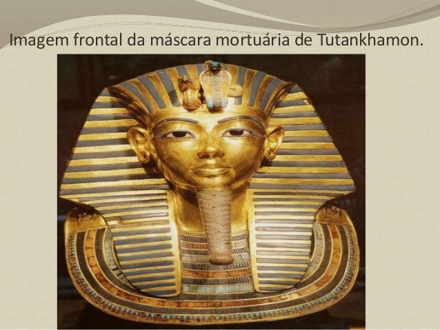 Duas das quatro gigantescas representações de Ramsés II, do lado direito do templo. O Faraó foi um dos mais importantes do...