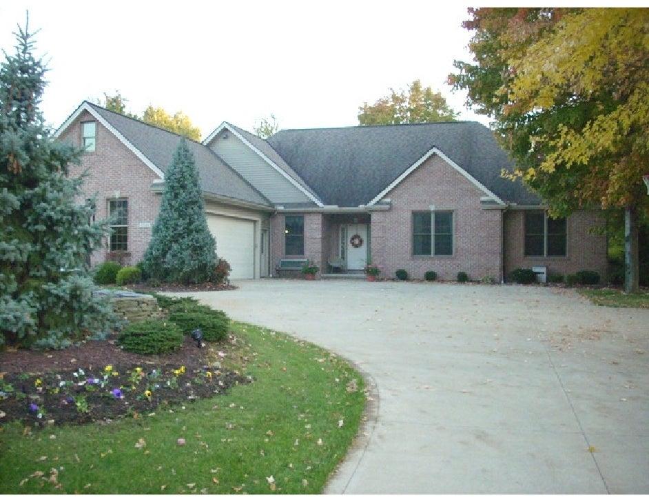 37101 Hunters Trail   Avon, Ohio 44011            For sale         MLS # 3079499 http://37101hunterstrail.com
