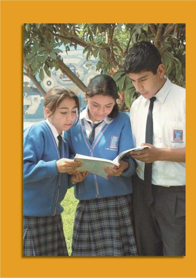 INTRODUCCIÓN La Ley General de Educación N° 28044, señala la necesidad de currículos básicos, comunes a todo el país, arti...
