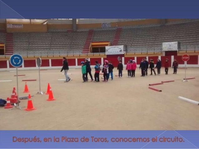 Después,  en la Plaza de Toros,  conocemos el circuito.