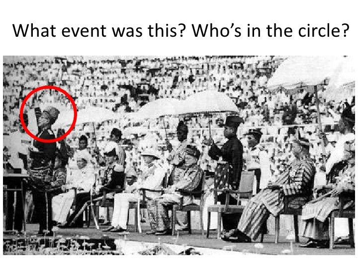 What event was this? Who's in the circle?