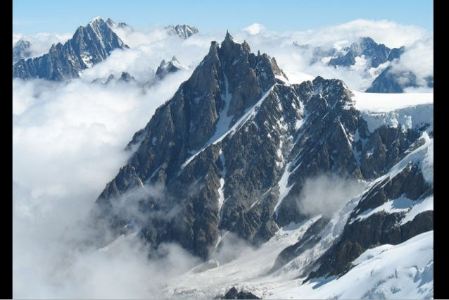 The Aiguille summit contains a panoramic viewing platform, a cafe and a gift shop.