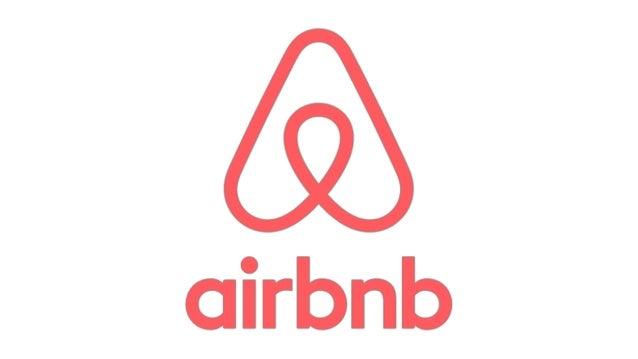 Airbnb Social Media Strategy #UFSMM