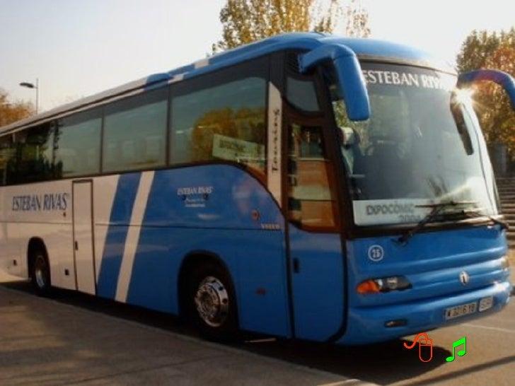 Num ônibus, em viagem para idosos,com destino a Fátima, uma dasidosas, muito ternamente toca noombro do motorista, e ofere...