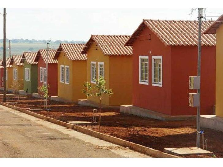 Antônio roberto da costa entrega 50 casas populares
