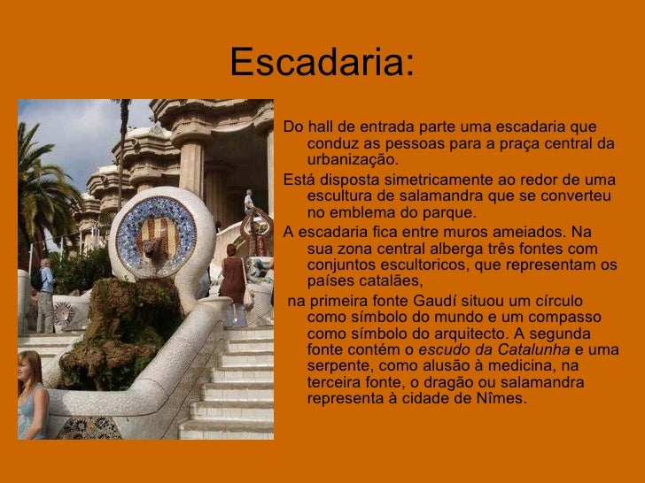 Escadaria: <ul><li>Do hall de entrada parte uma escadaria que conduz as pessoas para a praça central da urbanização. </li>...