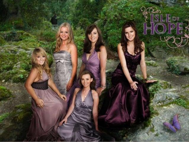 Celtic Woman é um grupo de música formado atualmente porquatro artistas irlandesas: as vocalistas Chloë Agnew, Lisa Kelly,...