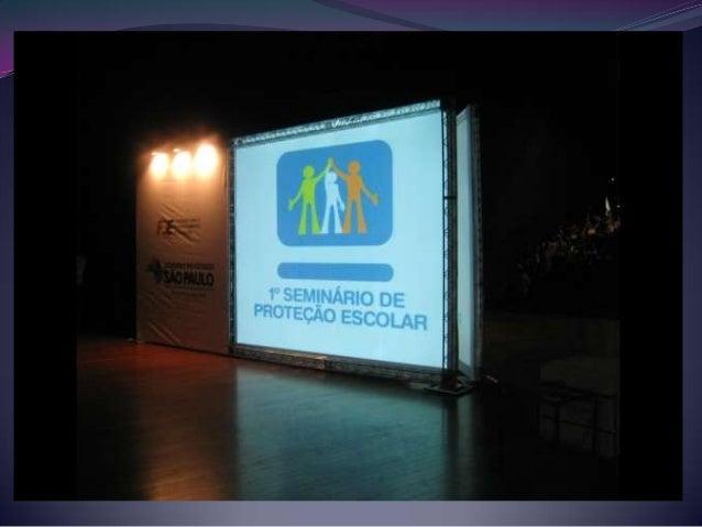 ÁLCOOL E OUTRAS DROGAS NA ESCOLA: DIMENSÃO DO PROBLEMA E PROCEDIMENTOS Palestrantes: Dra. Camila Magalhães Silveira Dr. Da...
