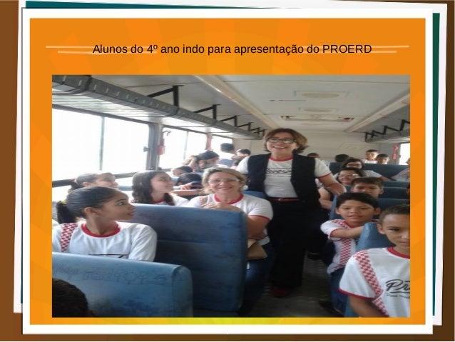 Alunos do 4º ano indo para apresentação do PROERD