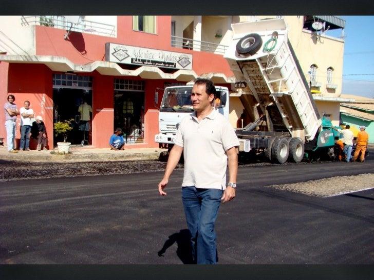 Prefeito Angelo Roncalli vistoria obras de asfaltamentoda Rua Pe. Sebastião GontijoSão Gonçalo do Parã – 02 de agosto 2012...