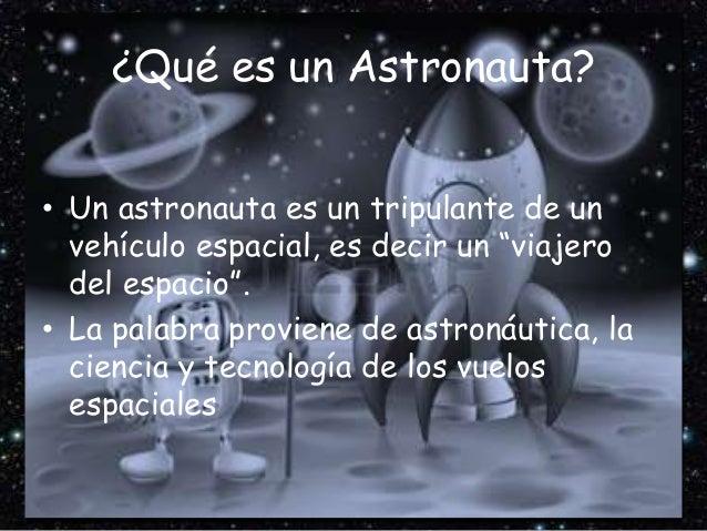 Astronauta Flotando En El Espacio Exterior: Astronautas Y Viajes Al Espacio