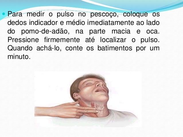  Para medir o pulso no pescoço, coloque os dedos indicador e médio imediatamente ao lado do pomo-de-adão, na parte macia ...