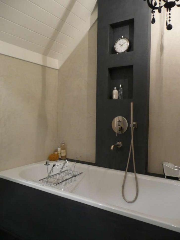 Badkamer met wanden van decostuc