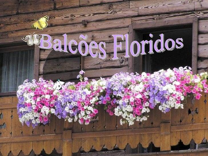 Livigno Um vilarejo, no coração dos Alpes,  na região da Lombardia, Itália Balcões Floridos