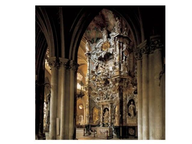 Basílica de Santa María, portada principal. Detalle de la clave de la puerta Mayor con dos querubines besándose y dos ánge...