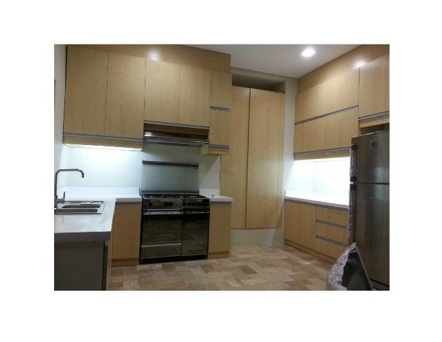 Renovation maison 95 openconcept twotone kitchen with for Decoration appartement algerie