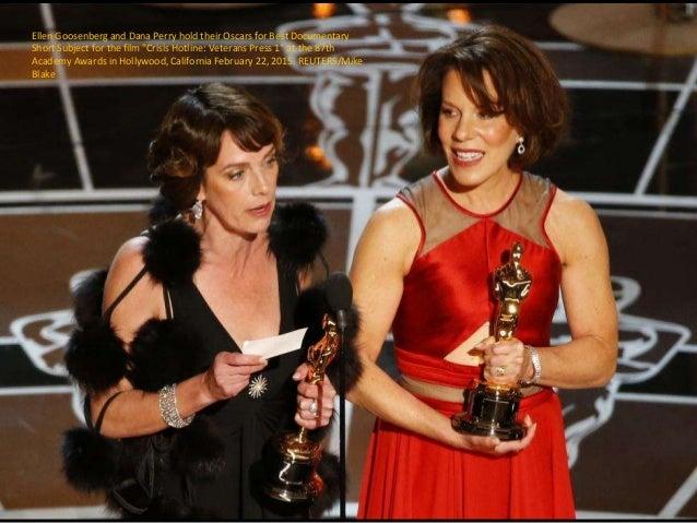 """Ellen Goosenberg and Dana Perry hold their Oscars for Best Documentary Short Subject for the film """"Crisis Hotline: Veteran..."""