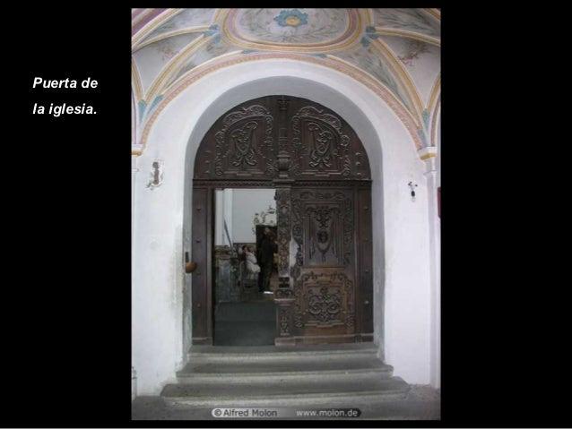 Puerta dela iglesia.