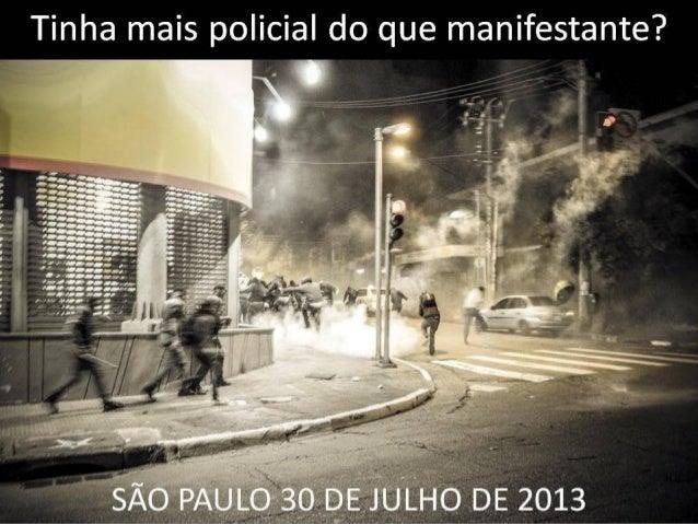 Faixa dos manifestantes de junho de 2013, tida por despolitizada pelos Black Blocs...