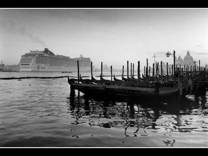 Black & white (v.m.) Slide 3