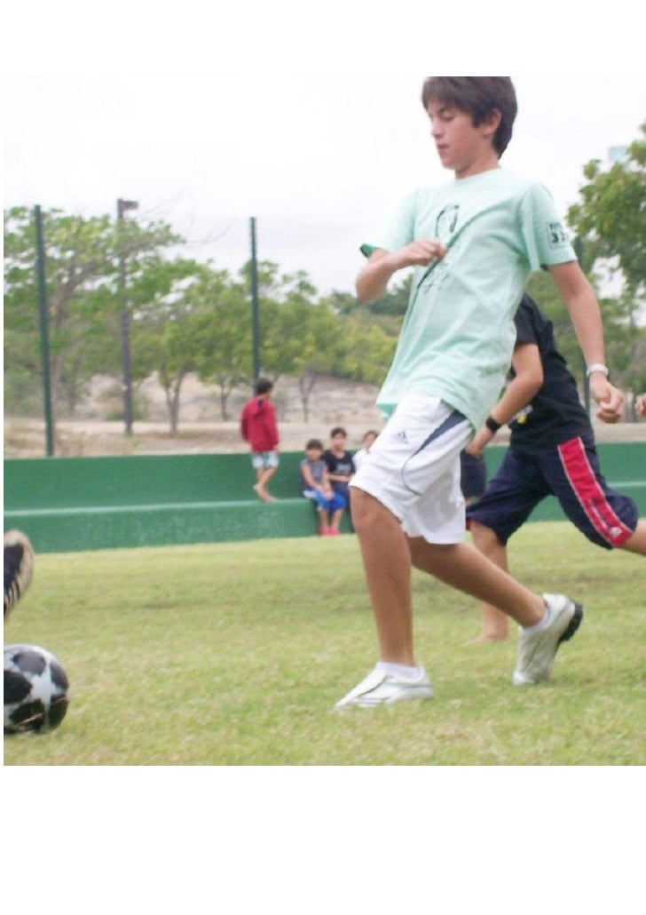 La Cara: El deporte. El deporte en sí.  Bueno, en este caso vemos a unos chavales jugando al futbol. Fútbol, deporte rey. ...