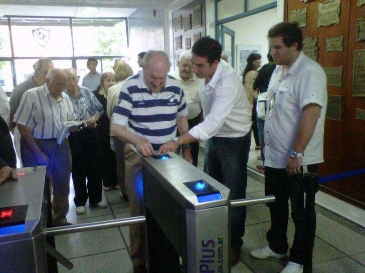 Entregas de carnets en Quilmes