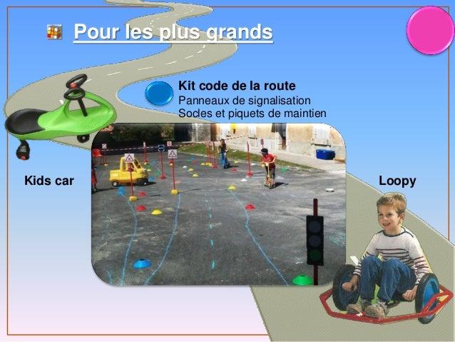 Pour les plus grands Kids car Kit code de la route Panneaux de signalisation Socles et piquets de maintien Loopy