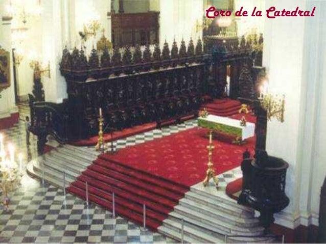 Mausoleo de Francisco Pizarro El interior del baptisterio esta totalmente cubierto por mosaicos venecianos y pequeñas lami...