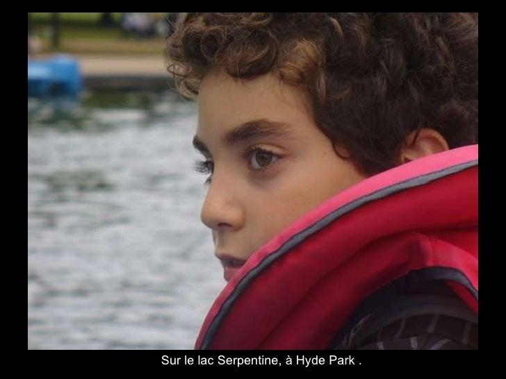 Sur le lac Serpentine, à Hyde Park .